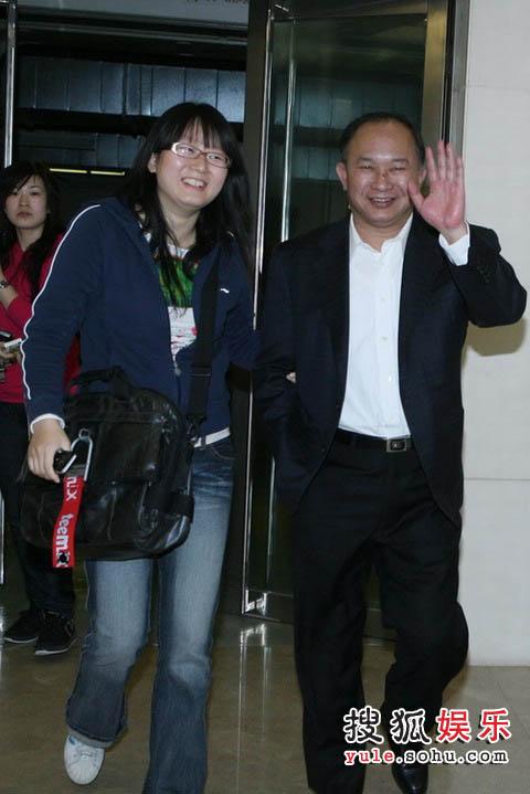 吴宇森导演早早的抵达了搜狐大厦