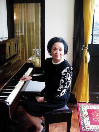 2008年3月,宋子文的长女宋琼颐女士在上海宋家旧宅参加,她对这架宋美龄的钢琴很有兴趣