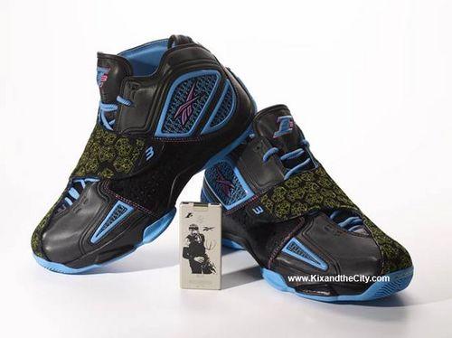 营销新花样 运动鞋搭载微软MP3机(图)