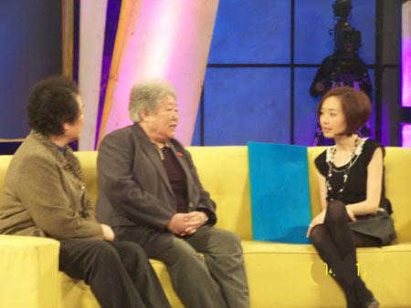 新中国第一个女拖拉机手梁军、第一个女火车司机田桂英和鲁豫