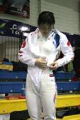 图文:王敬之亚锦赛不忘忙副业 黄海洋换比赛服
