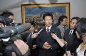 图文:中国留学生火炬手张毕接受日本媒体采访