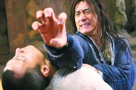 李连杰成龙在《功夫之王》中的打斗场面