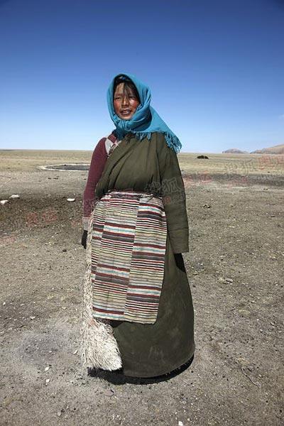 漂亮的游牧藏民姑娘