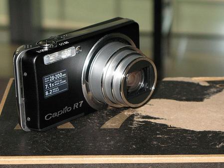 卡片相机全能王 理光800万像素R7促销