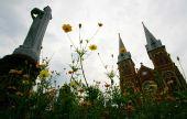 图文:圣火境外第十九站 胡志明市圣母大教堂
