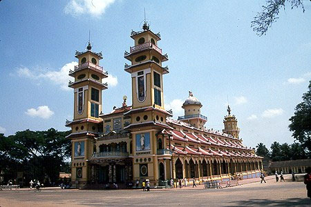 Cao Dai Holy See Temple   图片来源:搜狐旅游论坛