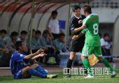 图文:[中超]陕西2-1北京 队长起冲突