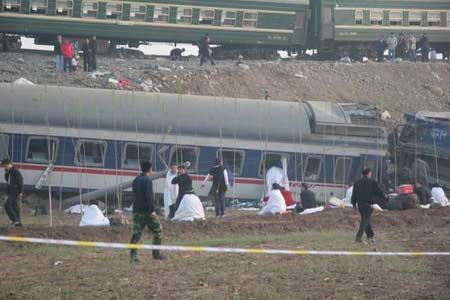 胶济铁路发生客车脱线相撞事故