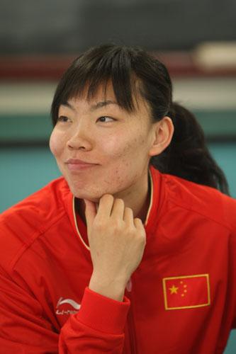 图文:奥运会倒计时100天活动 张萍参加活动