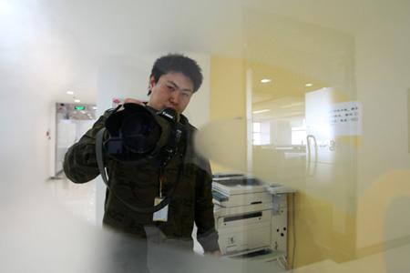 摄影记者李志岩