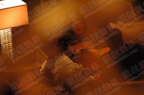 李冰冰手舞足蹈