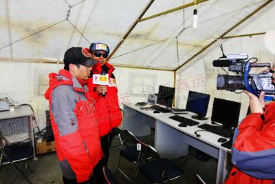 珠峰气象保障队里,我们可以感受到高科技的魅力