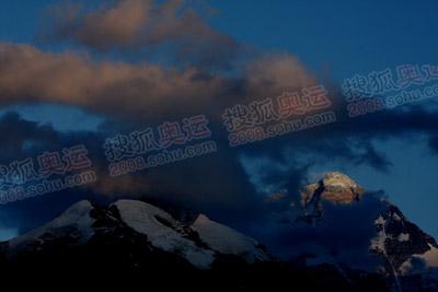 昨晚的珠峰,特别安静特别美