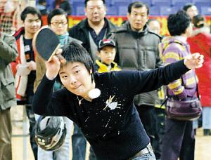 杨影从乒乓球运动员成功转型为解说员。