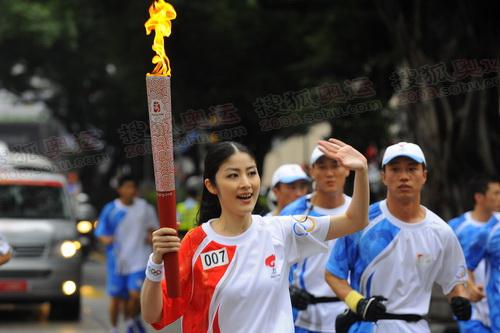 陈慧琳传递火炬