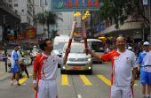 组图:香港圣火传递星光熠熠 著名男歌手陈奕迅
