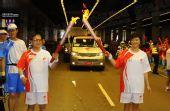 组图:香港圣火传递星光熠熠 体育界名人霍震霆