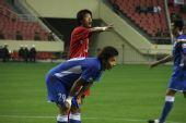 图文:[中超]上海2-0河南 郜林�O等带来球