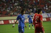 图文:[中超]上海2-0河南 郜林等待机会