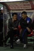 图文:[中超]上海2-0河南 金贵运筹帷幄