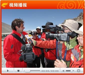视频:CNN记者珠峰避失实报道