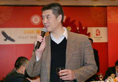 资深篮球评论家徐济成在冠军论坛新年酒会