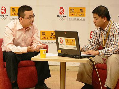 访谈现场 长盛基金创新先锋拟任基金经理 邓永明(左)