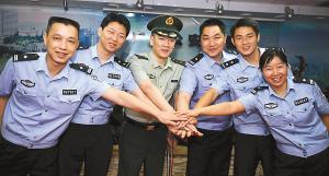 奥运圣火传递广州站火炬手中有5位来自广州警队