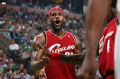 图文:[NBA]骑士VS凯尔特人 皇帝怒吼