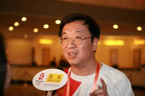 广东电视台副台长 梁首钢接受采访