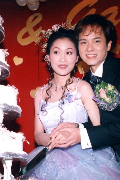 肚脐环视频_组图:23位港姐的甜蜜婚纱照-搜狐娱乐