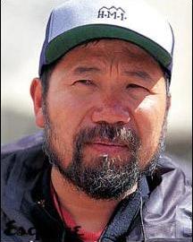 圣火珠峰传递登山队队长--王勇峰