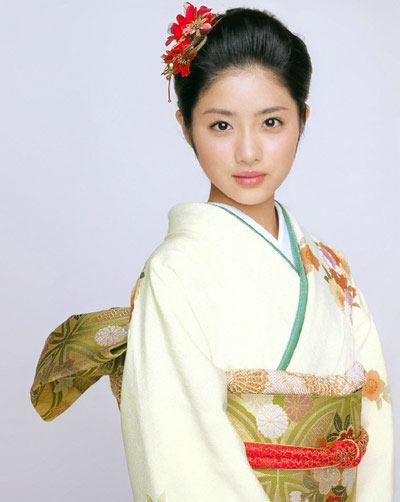 组图:日本女明星美丽和服秀 搜狐娱乐
