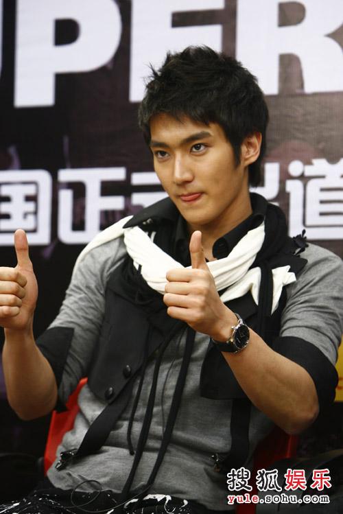 SJ-M独家做客搜狐—— 始源在赞美什么呢