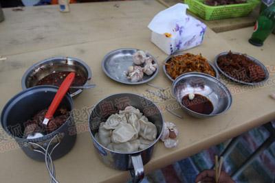 饺子,大蒜,咸菜,生活够丰富吧