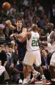图文:[NBA]骑士VS凯尔特人 阿伦防守