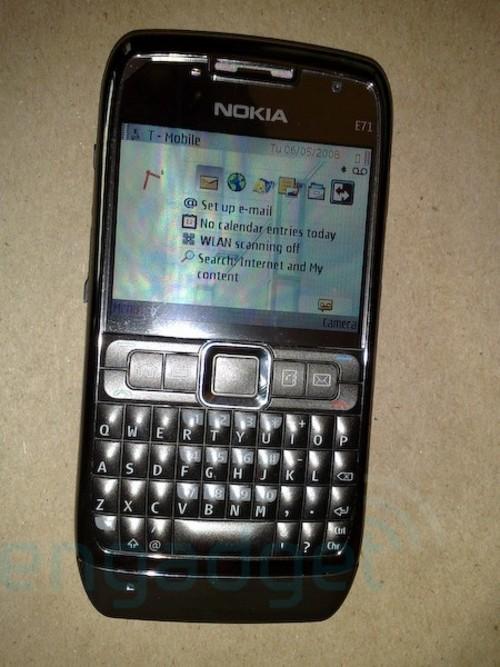 诺基亚E71手机