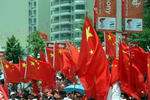 惠州变成了红色的海洋
