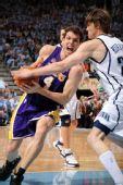 图文:[NBA]湖人VS爵士 沃顿斗科沃尔