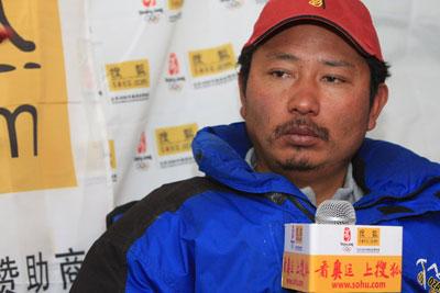 尼玛校长,一个务实的人,他让中国的商业登山事业达到国际水准