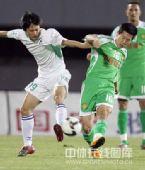 图文:[中超]北京2-0辽宁 黄博文拼抢