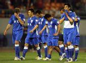 图文:[中超]山东2-1上海 申花球员黯然离场