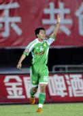 图文:[中超]北京2-0辽宁 黄博文欣喜若狂