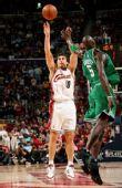 图文:[NBA]凯尔特人VS骑士 斯泽比亚克投篮