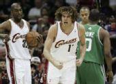 图文:[NBA]凯尔特人VS骑士 瓦莱乔怒吼