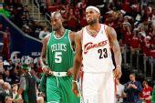 图文:[NBA]凯尔特人VS骑士 詹姆斯一脸怪相