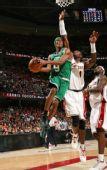图文:[NBA]凯尔特人VS骑士 隆多上篮