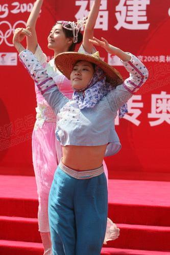 福建特色的惠安女表演舞蹈