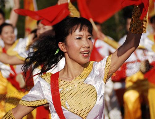舞蹈表演迎接奥运火炬